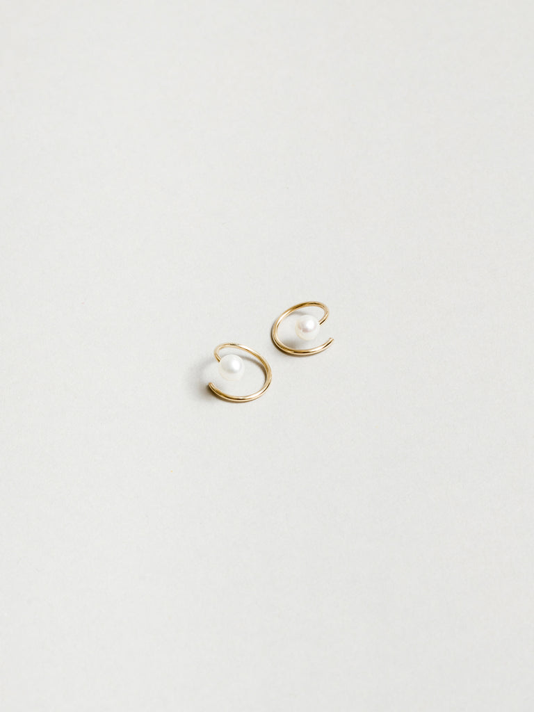 White Pearl Swirl Studs in Gold