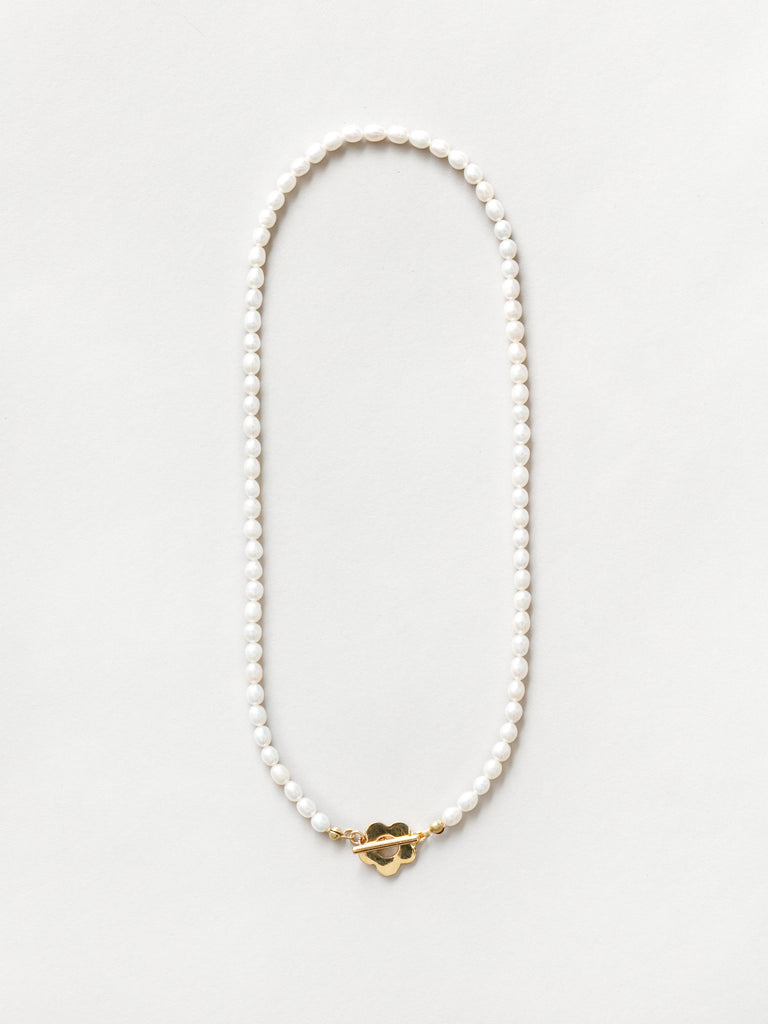 Sofia Pearl Necklace in Gold