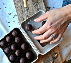 Dark Chocolate Truffles (12 pieces) - Farmhouse Chocolates