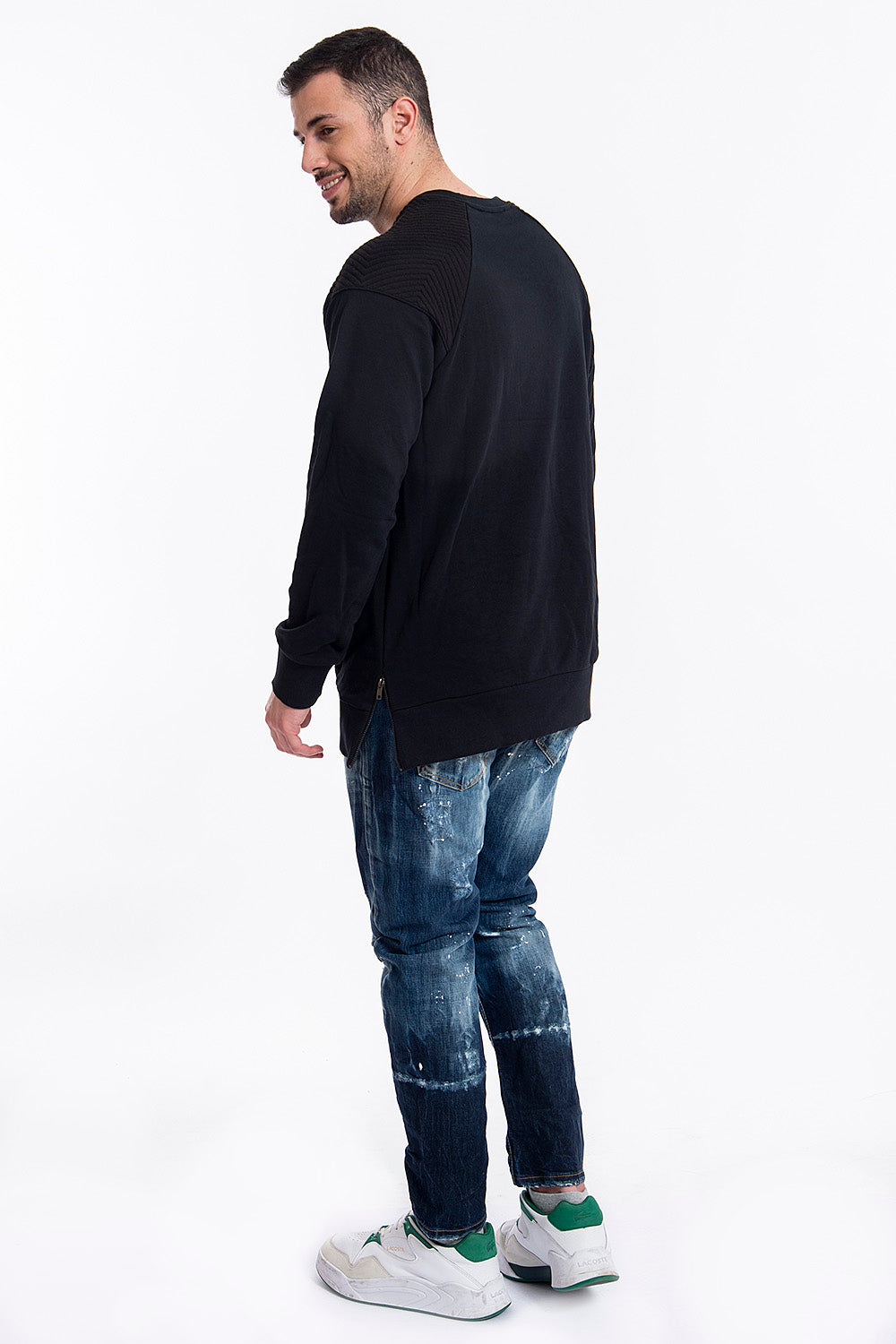 19 jumper with size zips and shoulders design