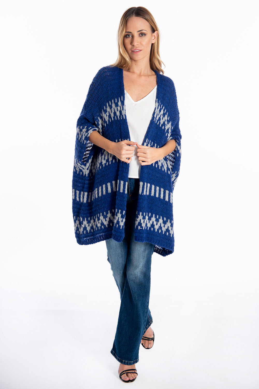 Infinity Knitwear cape with fairsile print