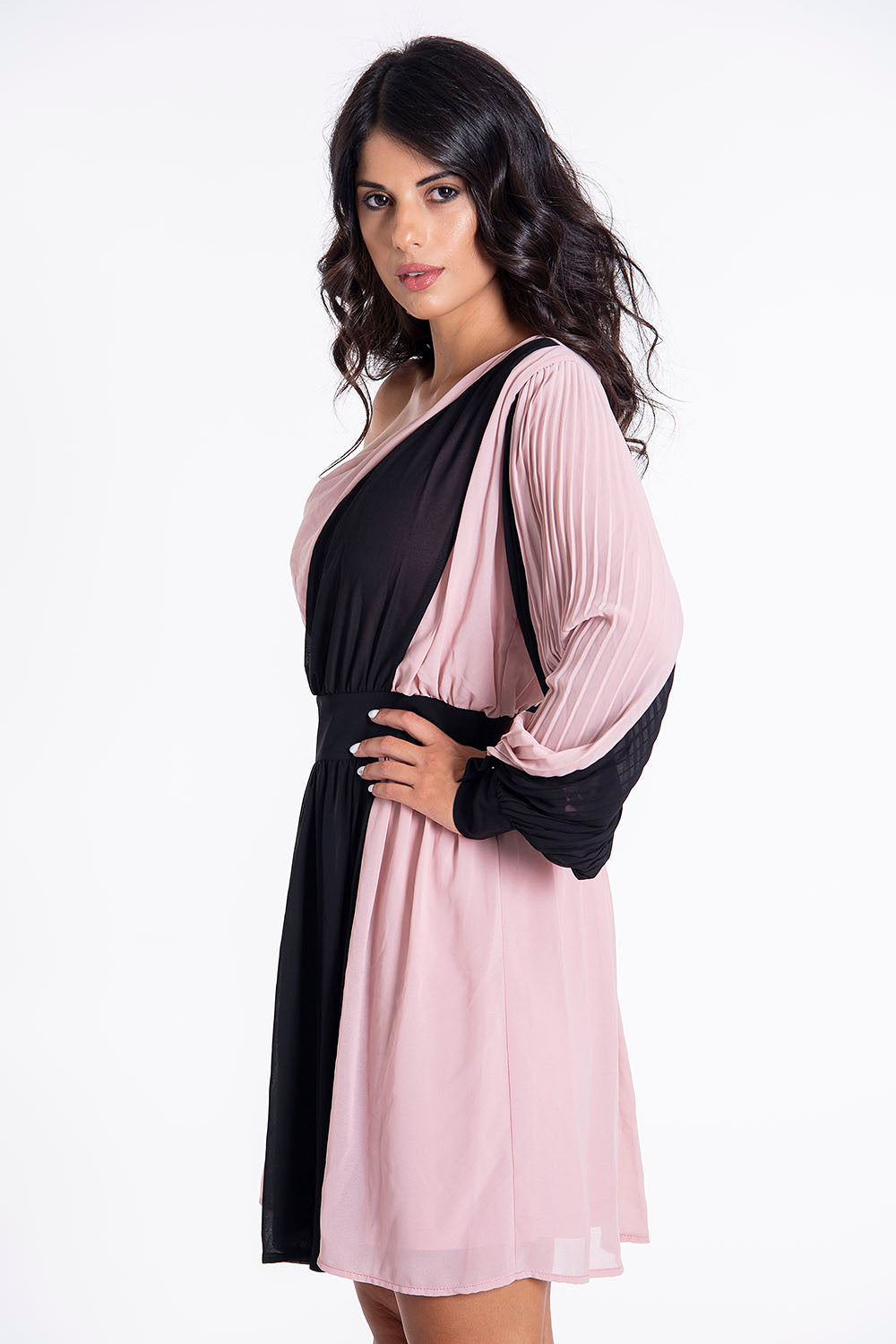 Hellen Batterr elegant mini one sleeve dress