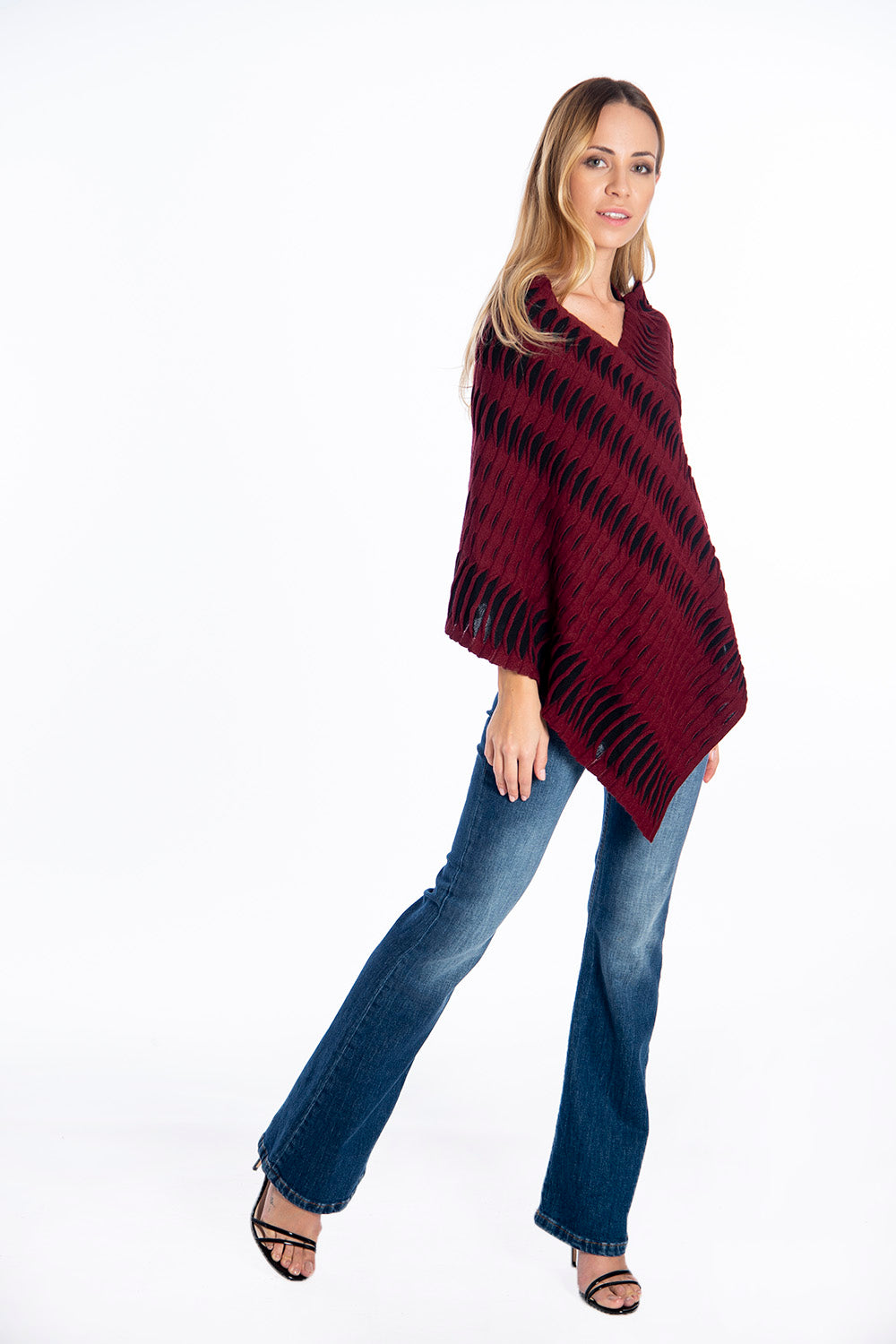 Infinity Knitwear cape with frills