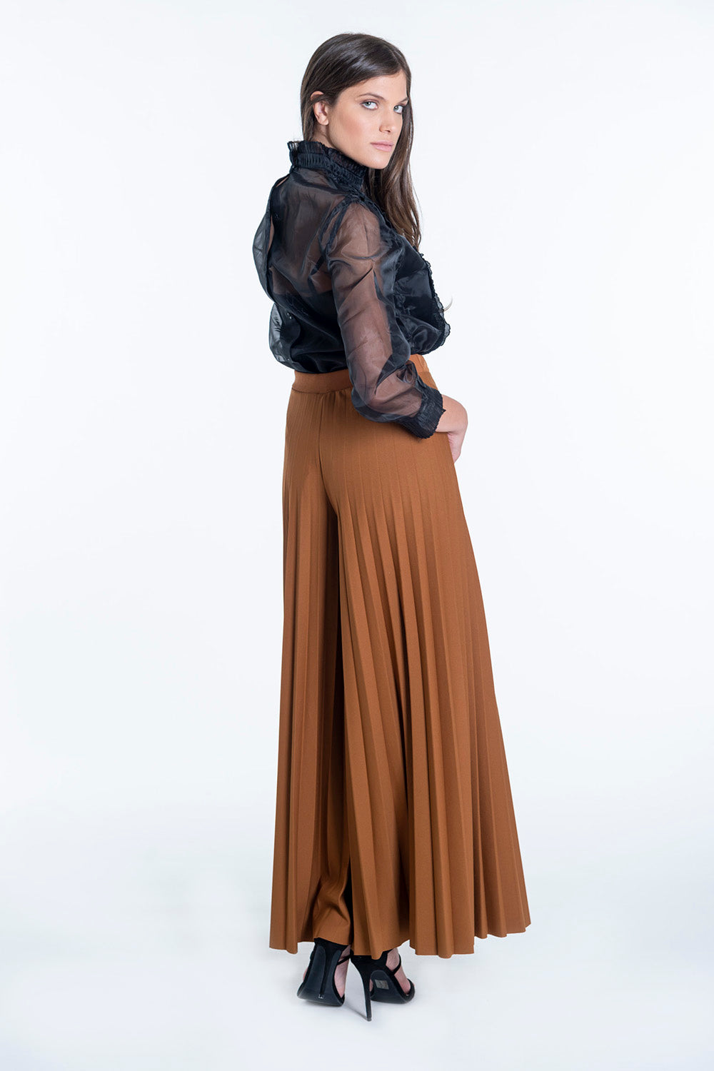 Akè pleated crop waistband trousers