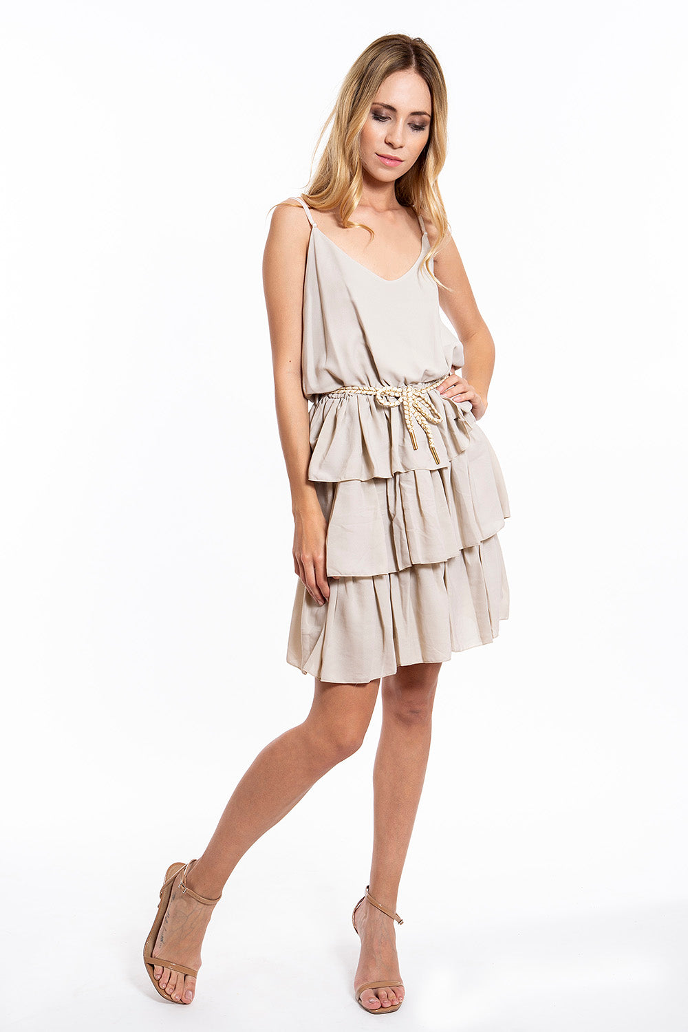 Akè cute dress with ruffles and robe belt