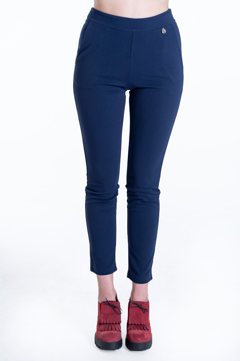 Akè stretch trousers with back pockets