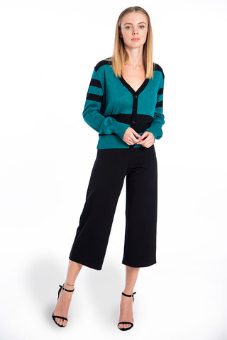 Akè crop trousers in wide leg