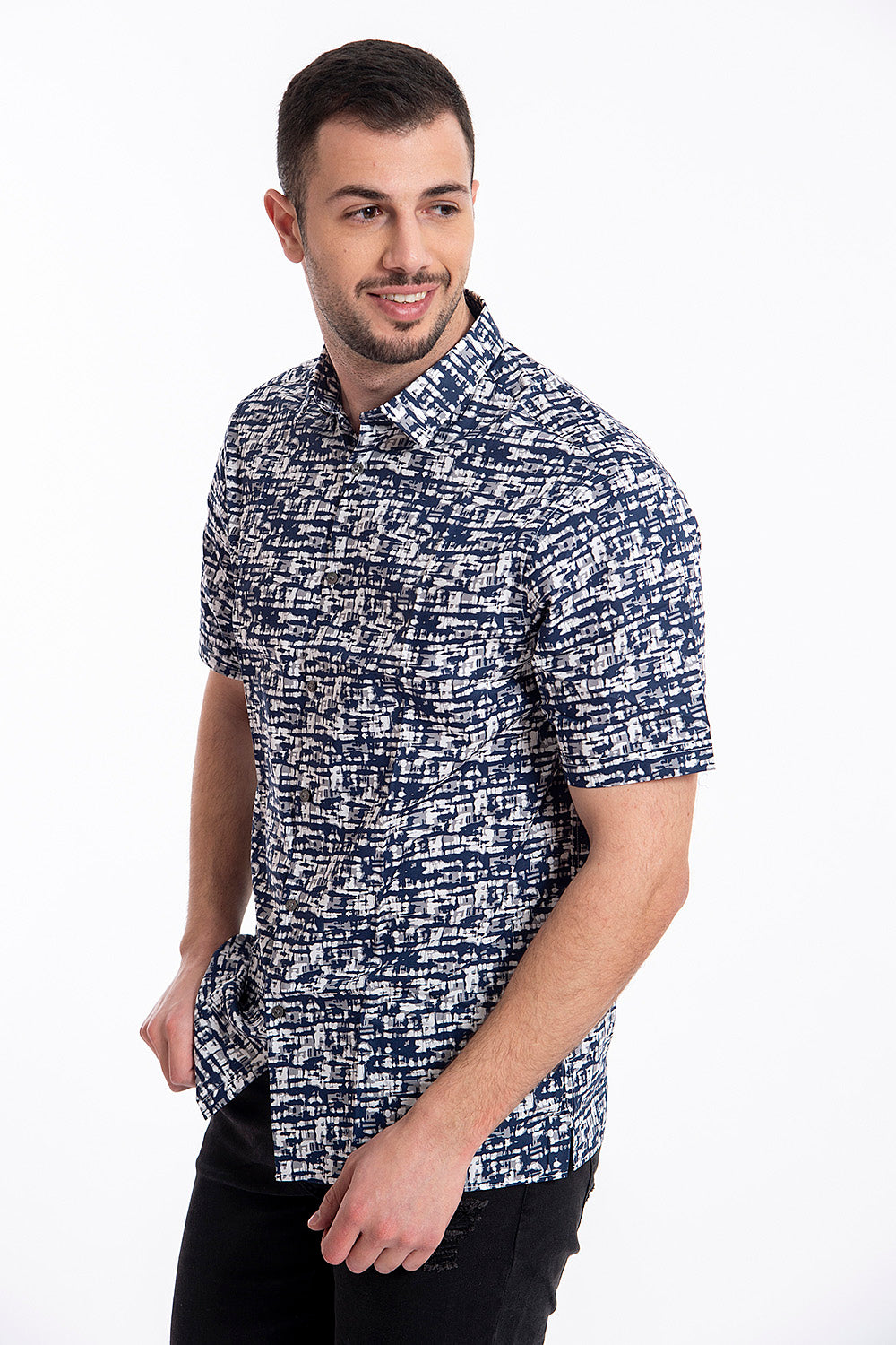 Short sleeved shirt in smudge pattern