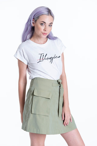 H2O basic white tshirt with Illogica text