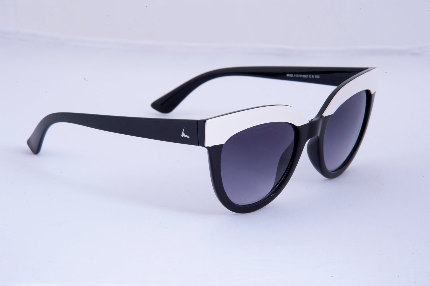 Charlett cat eye sunglasses in two colour frame