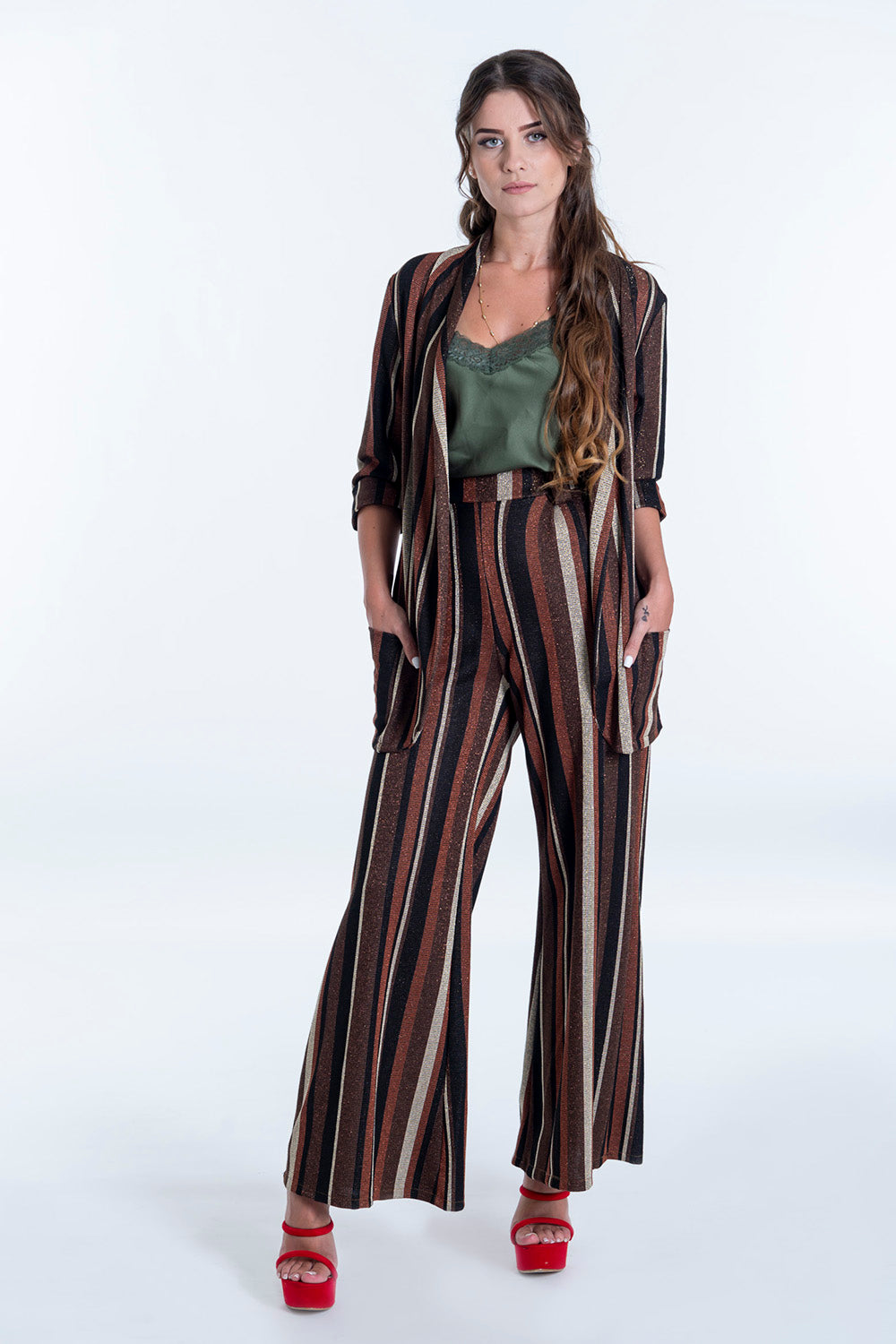 Akè metallic stripes blaser with short sleeve in co-ord