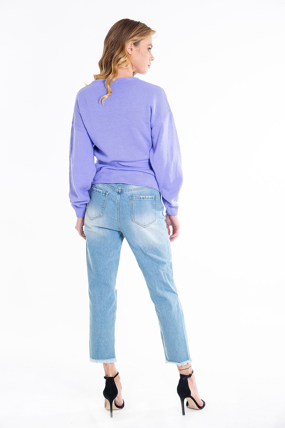 Koralline pastel pearls in ripped ankle length jeans