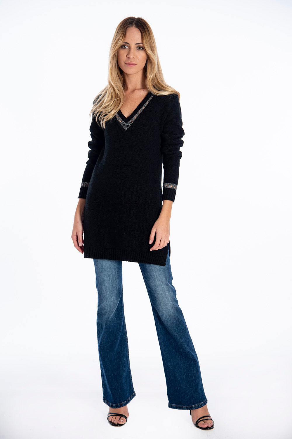 Infinity V neck jumper with chain design