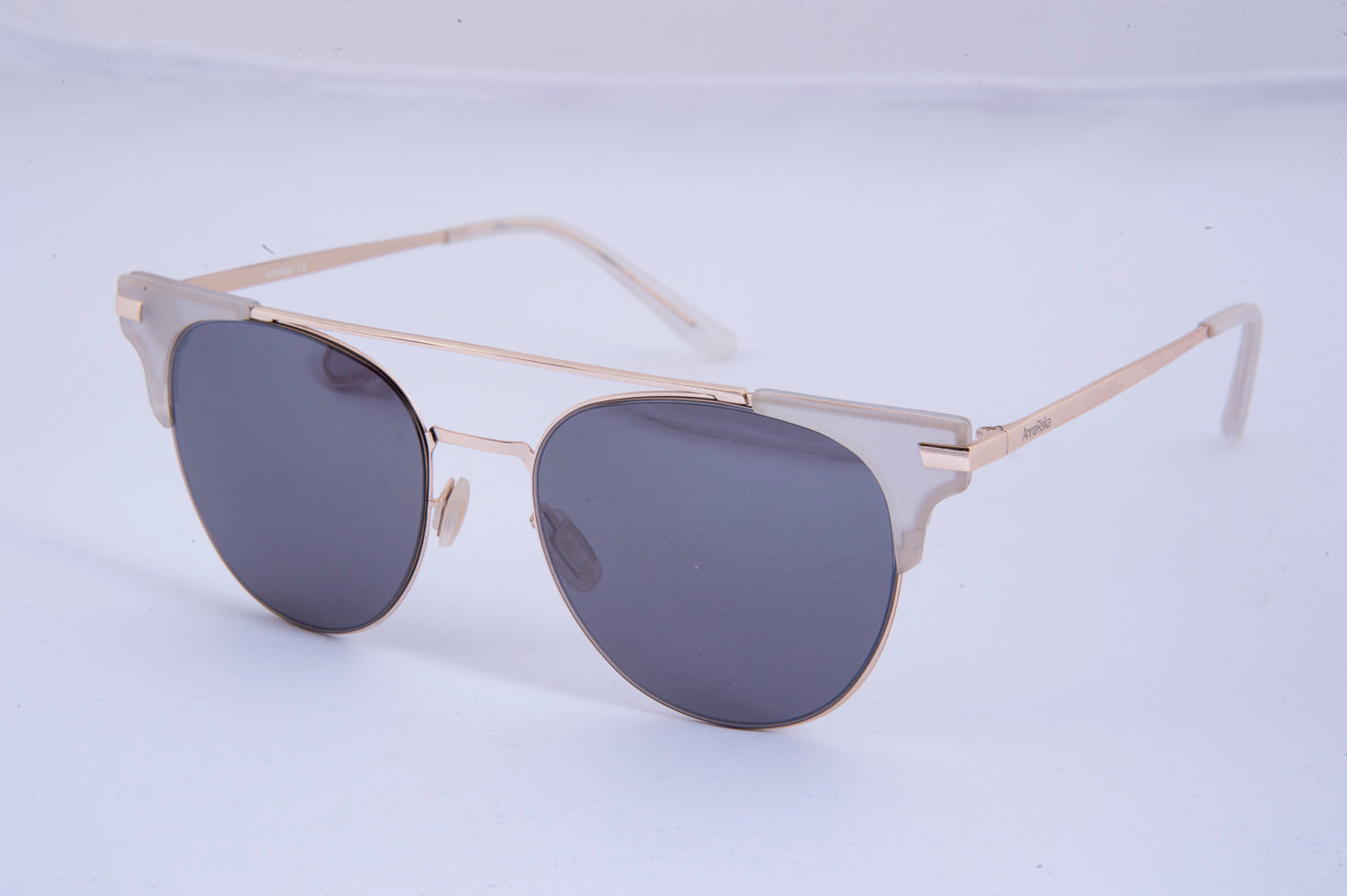 Anna Riska aviator sunglasses with clear details