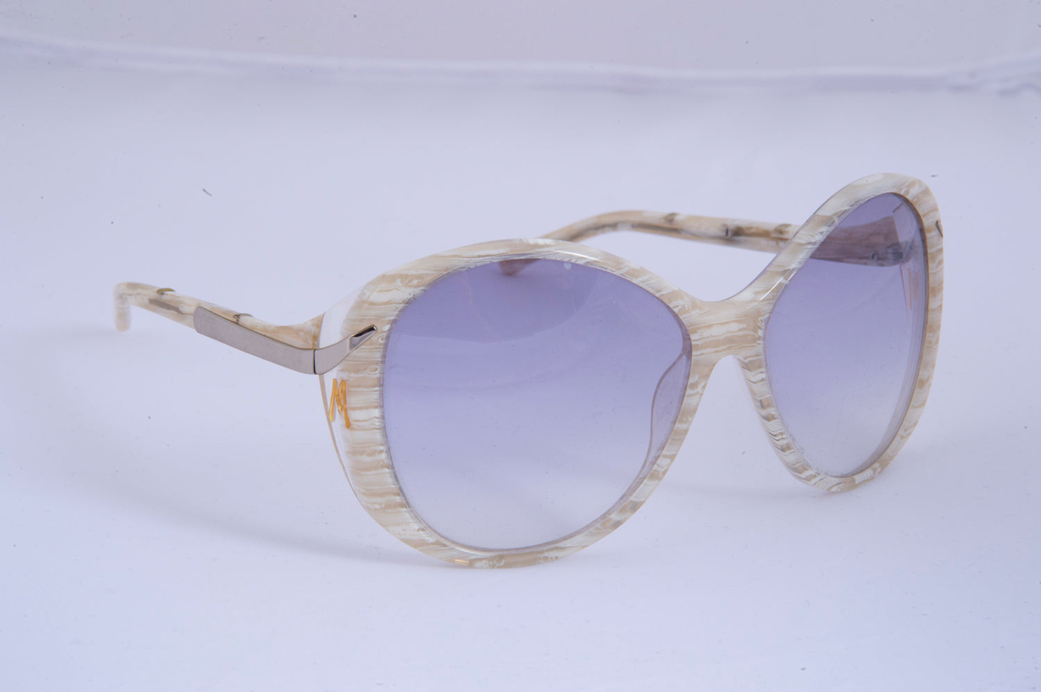 Guess by Marciano white oval sunglasses