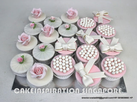 VINTAGE DESIGN CLASSIC Flowers and Ribbons Wedding Cupcakes /  CUSTOMIZED WEDDING COLLECTION/ DESSERT COLLECTION