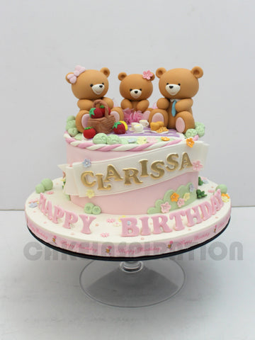 CUSTOMIZED CHILDREN COLLECTION / teddy bears  FAMILY cake singapore picnic theme