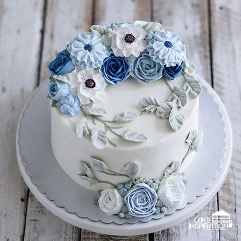 FLORA PIPE COLLECTION - FCS 18  ( PORCELAIN BLUE PASTEL KOREAN PIPING ART CAKE)