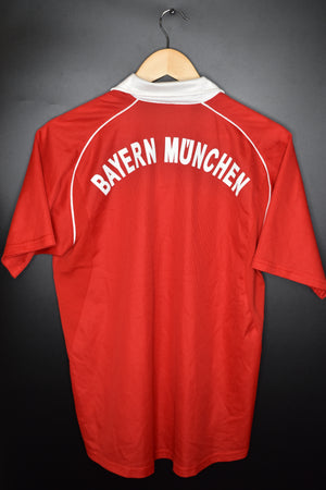 BAYERN MUNICH 2005-2006 ORIGINAL JERSEY Size S or Youth XL (excellent)