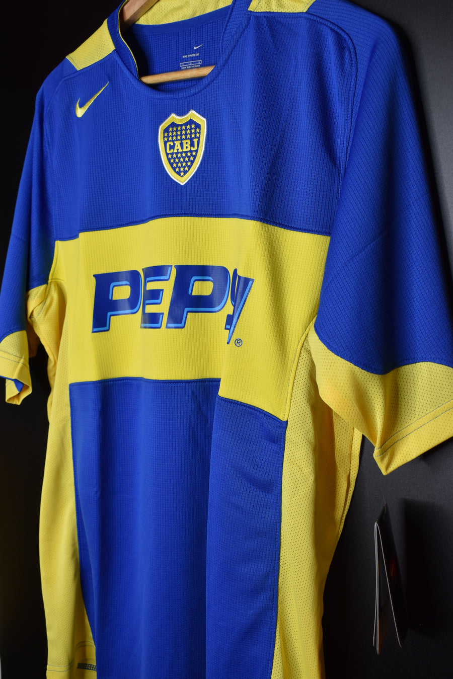 BOCA JUNIORS 2004-2005 ORIGINAL JERSEY Size L (BRAND NEW WITH TAGS)