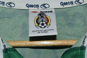 LIVERPOOL 2011-2012 ORIGINAL JERSEY Size M (Excellent)