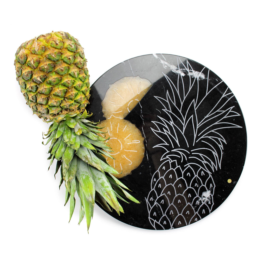 Pineapple - circular centerpiece/serving plate in black Marquina marble