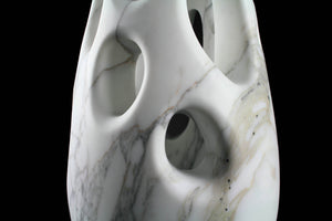 Sculptural vase Pieruga PV04 in Arabescato marble