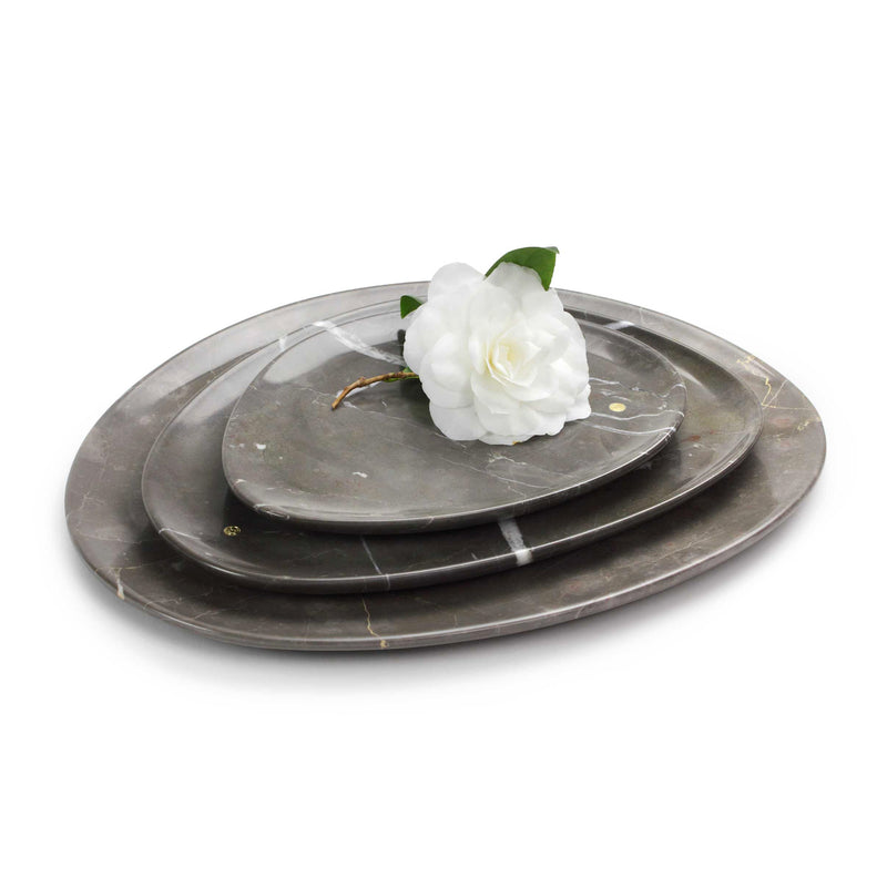 Set of presentation plates in Imperial Grey marble
