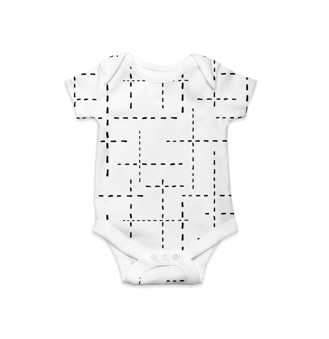 CLASSIC ONESIE - WHITE WITH BLACK DASHES LINES SS19/20