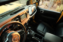 Load image into Gallery viewer, Free Open Source Jeep® JL / Gladiator air vent phone mount - Offroam