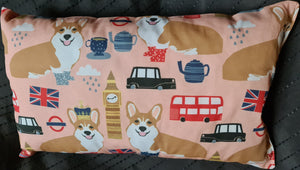 "Reisekissen Motiv ""Corgis & Co "" Größe 35cm  x 22 cm, Handarbeit - British Moments"