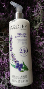 Yardley Silky Smooth English Lavender Body Lotion, 250 ml Spenderflasche - British Moments