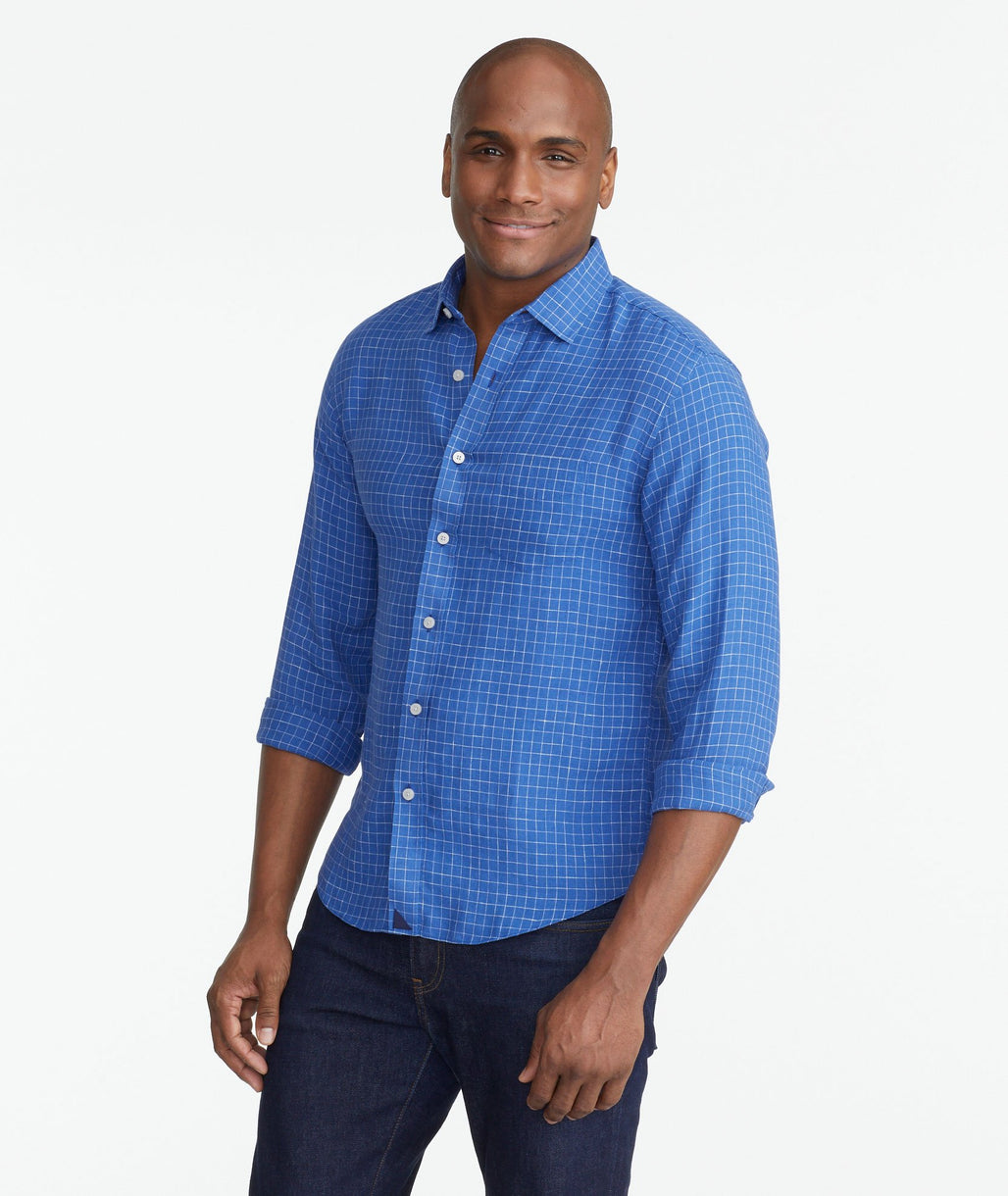 A model wearing a Blue Wrinkle-Resistant Linen Piave Shirt