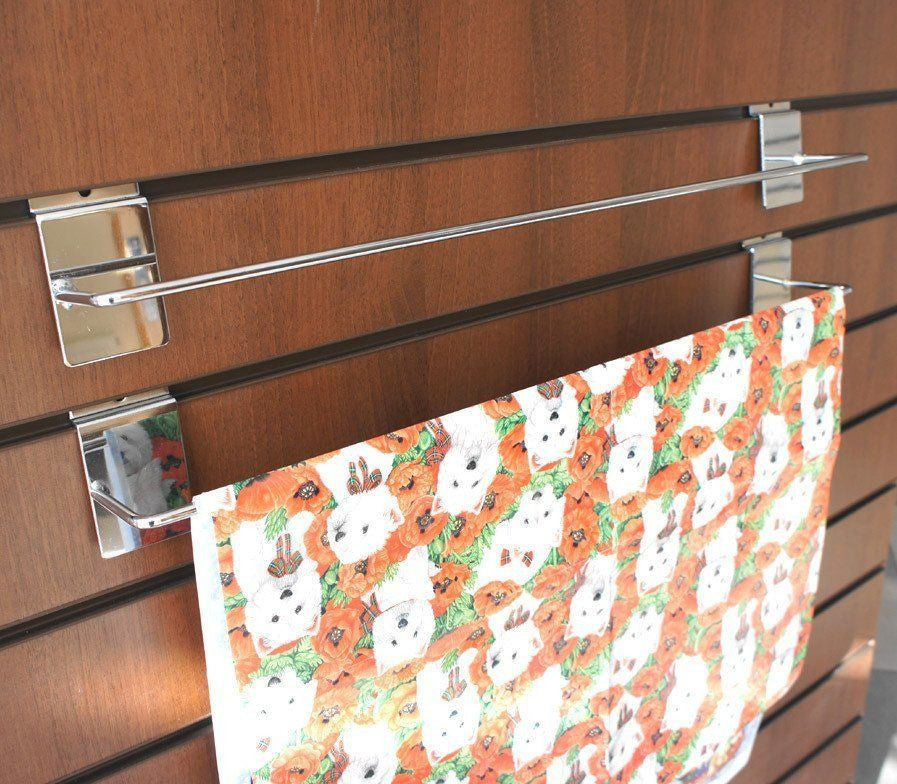 Single gift wrap bar for slatwall