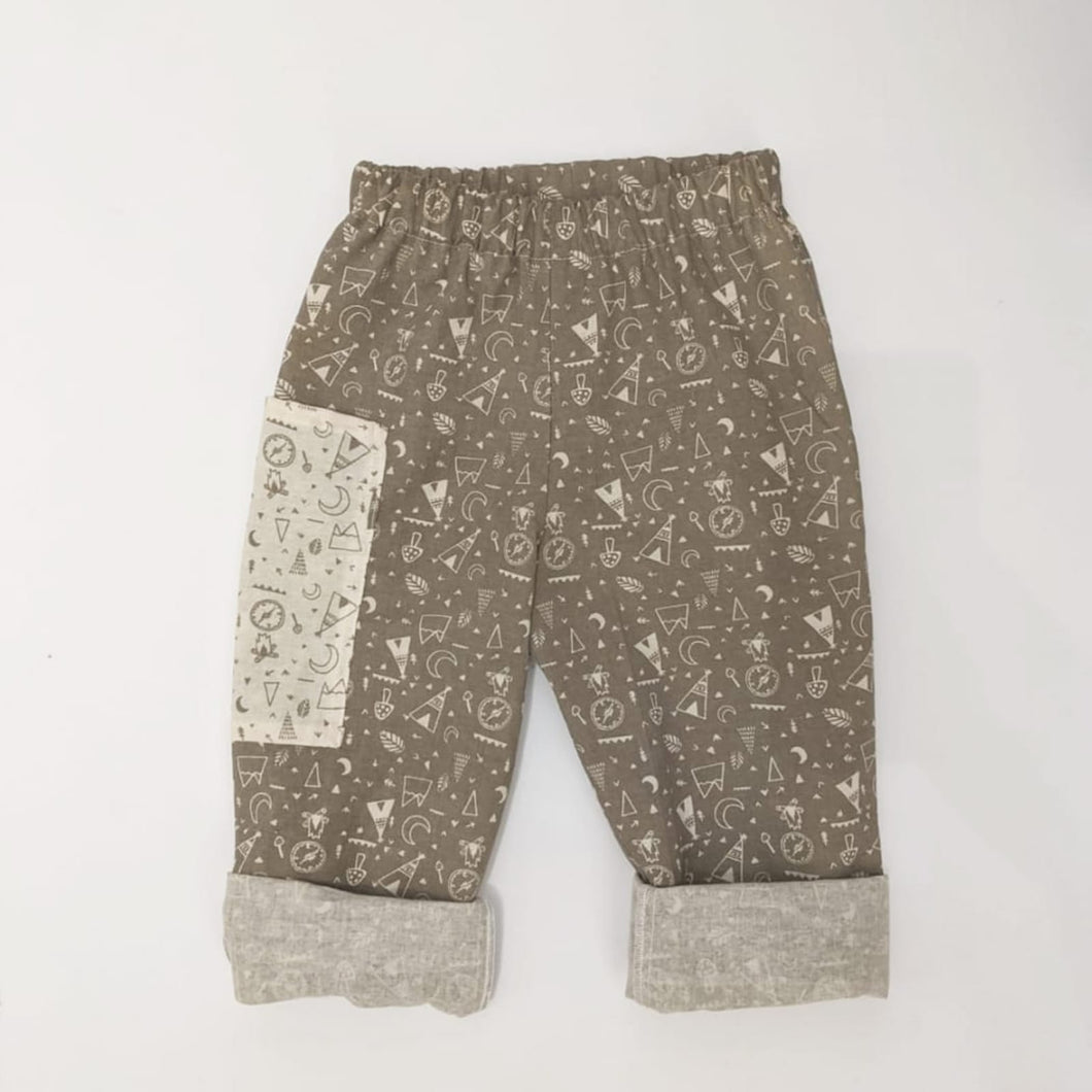 EXPLORER PRINT TROUSERS IN STONE