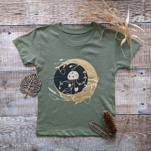 MYSTIC MOON ADULT TEE IN OLIVE