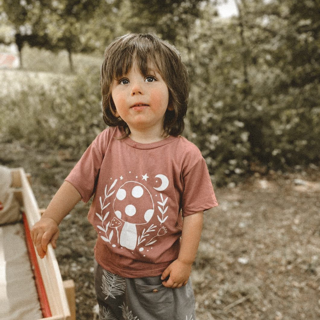 TOADSTOOL PRINT KIDS TEE IN MAUVE