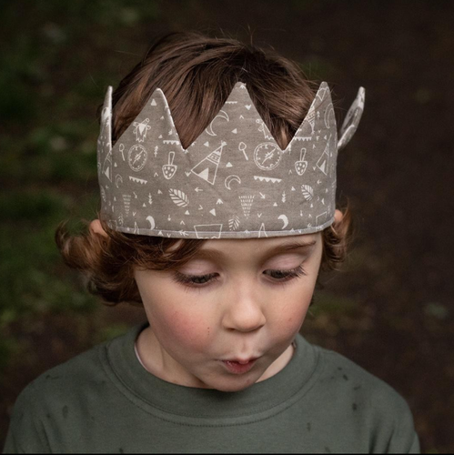 EXPLORER PRINT FABRIC CROWN