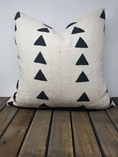 "MISFIT BEHATI Throw Pillow | African Mud Cloth African Mud Cloth Hudson and Harper 14"" x 24"""