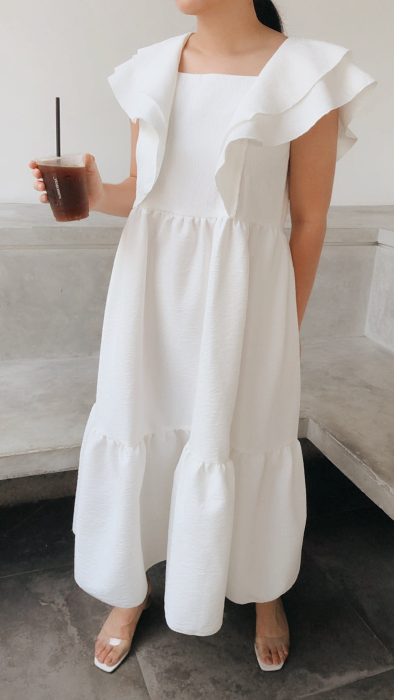 Munyong Dress in White (Pre-Order Batch 2 - Ready by 26 Oct 2020)