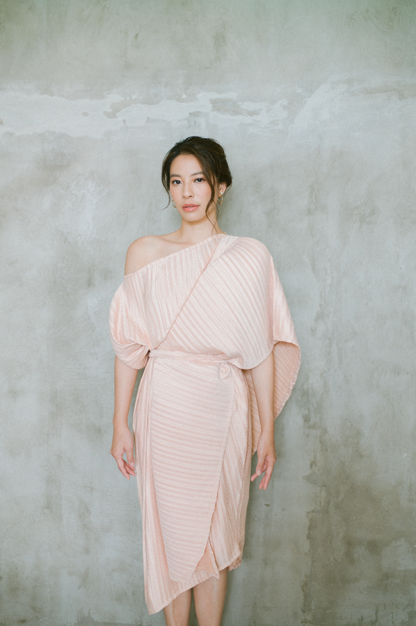 Pleats Dress in Peach (Pre- Order 20 Working Days)