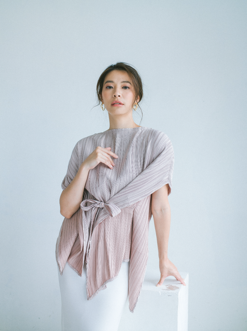 Pleats Top in Light Purple (Pre- Order 20 working days)