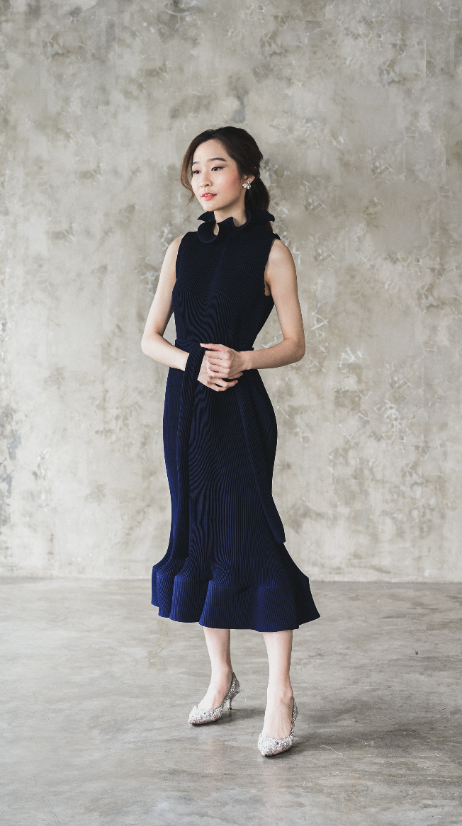 Moudy Dress in Navy (Pre-Order, will be delivered on Wednesday, 12 Feb 2020)