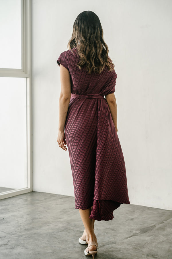 Dio Dress in Maroon