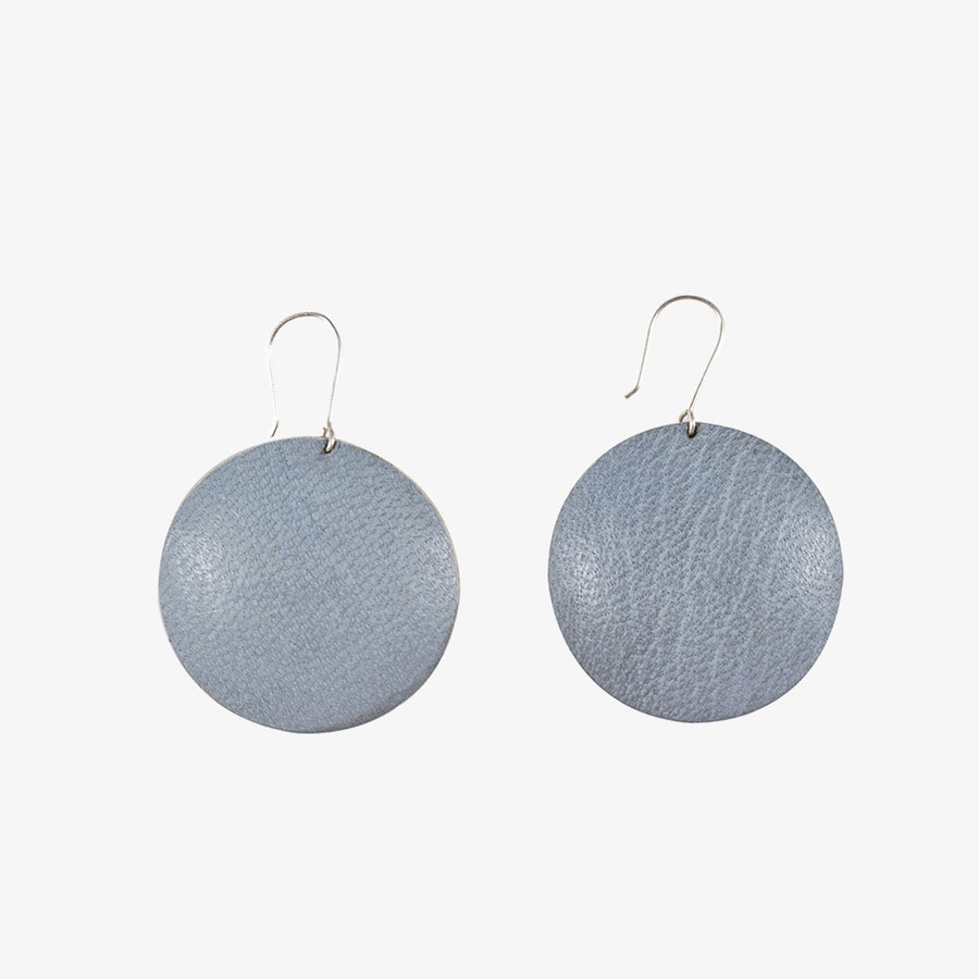 Round Earrings in Grey & Alu, Crafted by Malian Refugees, Hand-hammered Jewellery, Afrika Tiss