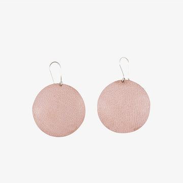 Round Earrings in Brass & Light Pink