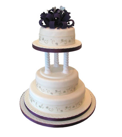 Hearts and Loops Wedding Cake