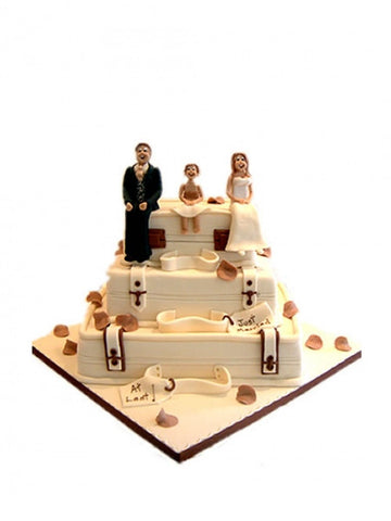 Novelty Suitcase Wedding Cake