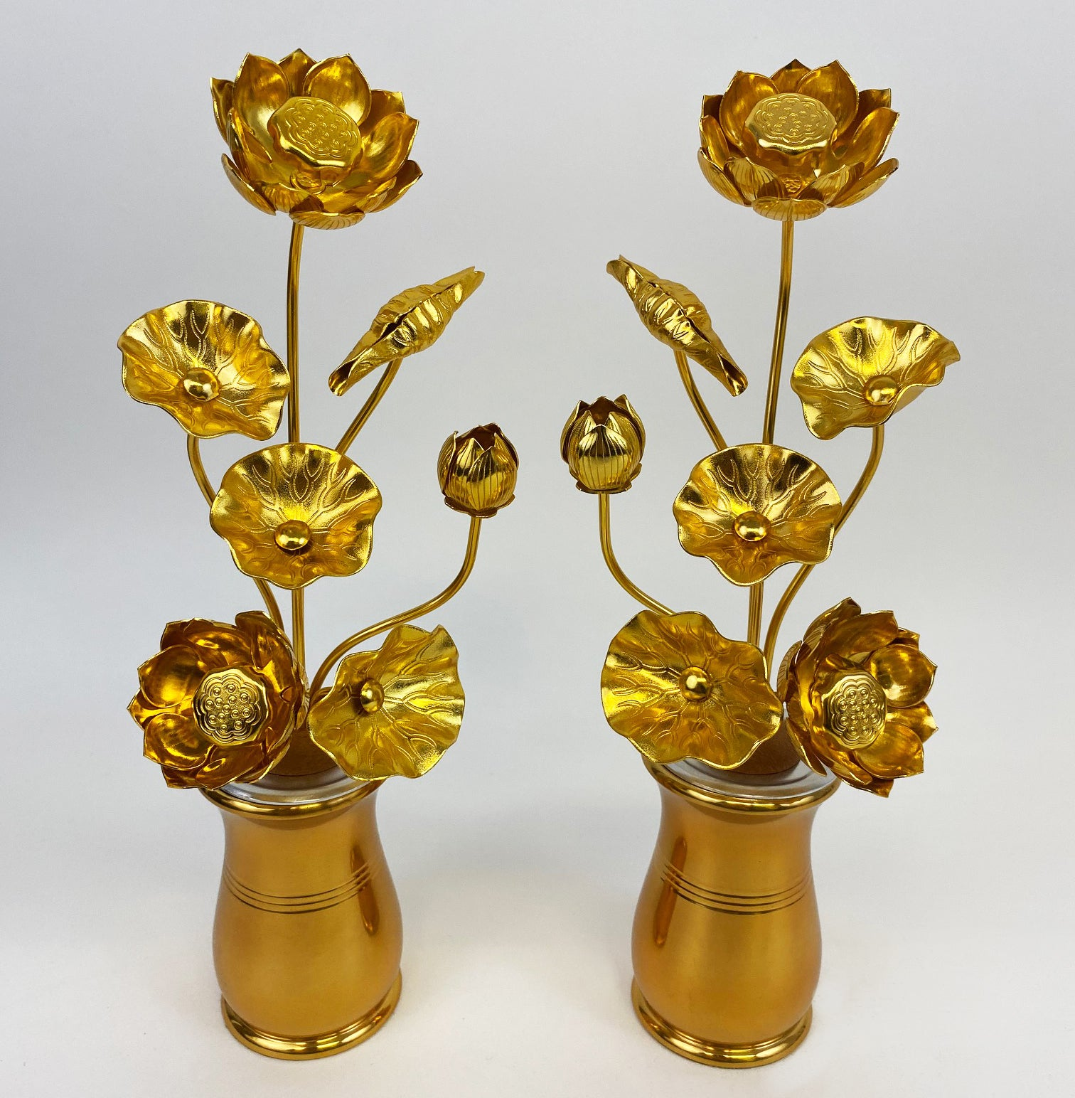"Medium Lotus Flower (11"" H includes vases)"