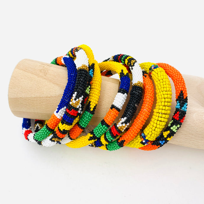 BRIGHT BEADED BRACELET SET